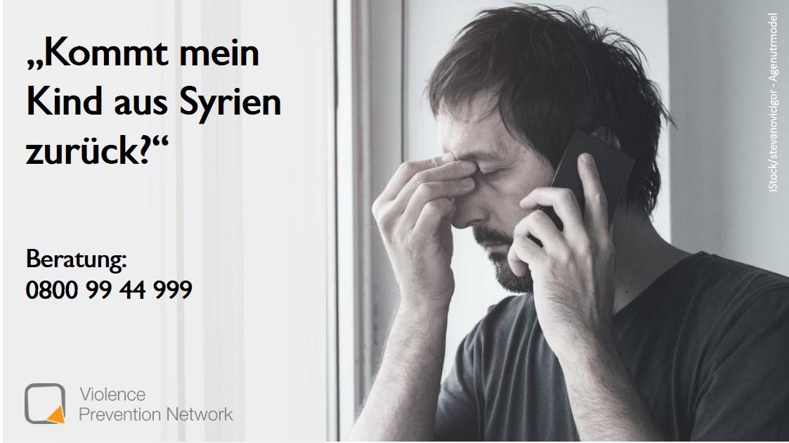 Verzweifelter Mann telefoniert