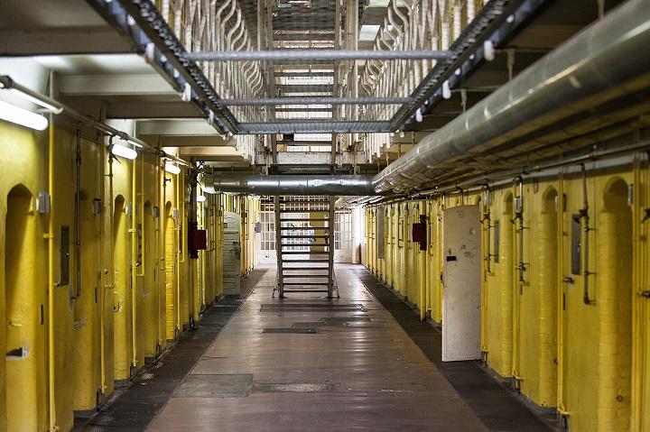 Flur und Treppen in Haftanstalt